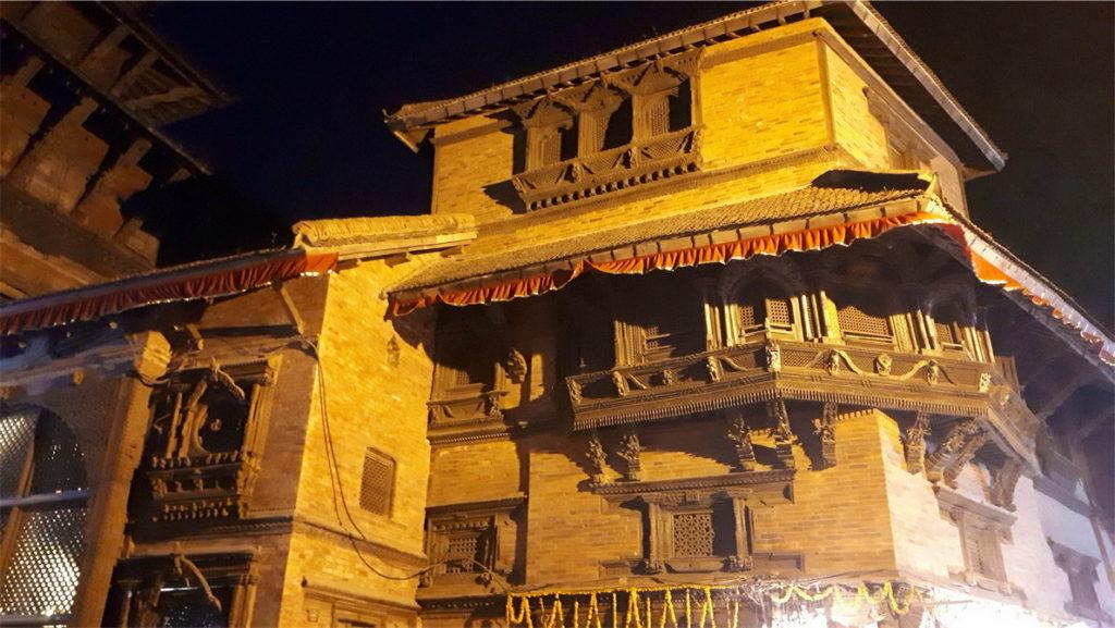 Площадь Дурбар и обезьяний Хануман в Катманду