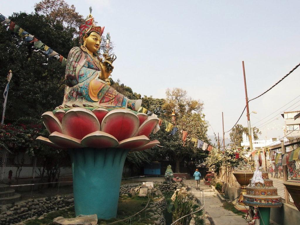 Памятники богам Кришна, Вишну и Будда в Катманду Непал