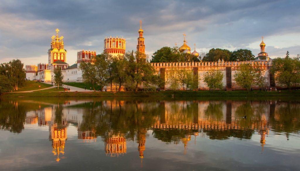 Москва культурный центр России - Новодевичий монастырь