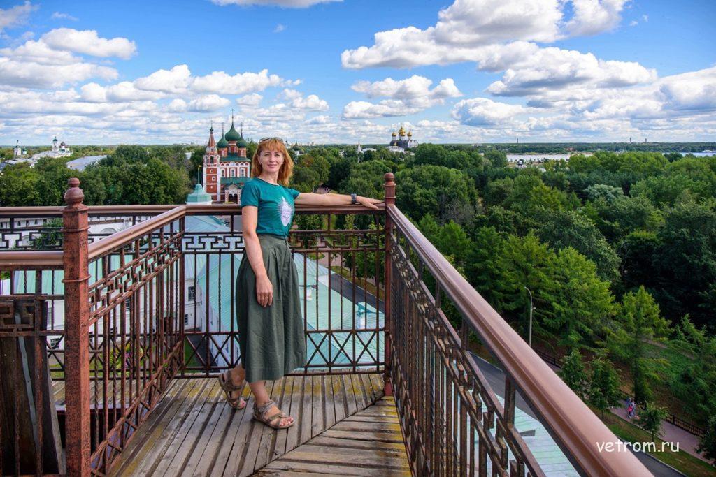 На звоннице Спасо-Преображенского собора Ярославль